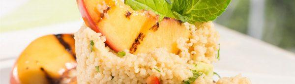 Couscous-Salat mit gegrillten Nektarinen
